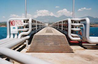 Cais de descarregamento de petróleo, Filipinas