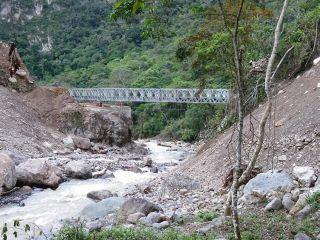 Lluto Bridge, Peru